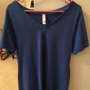 LulaRoe Christy T, Blue, Size M.